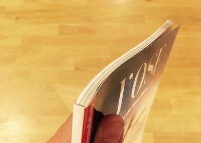Magazine dos carré collé