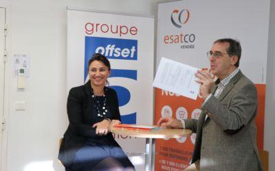 Un partenariat au service de l'emploi des personnes en situation de handicap. Esatco Vendée et Offset 5 signent une convention