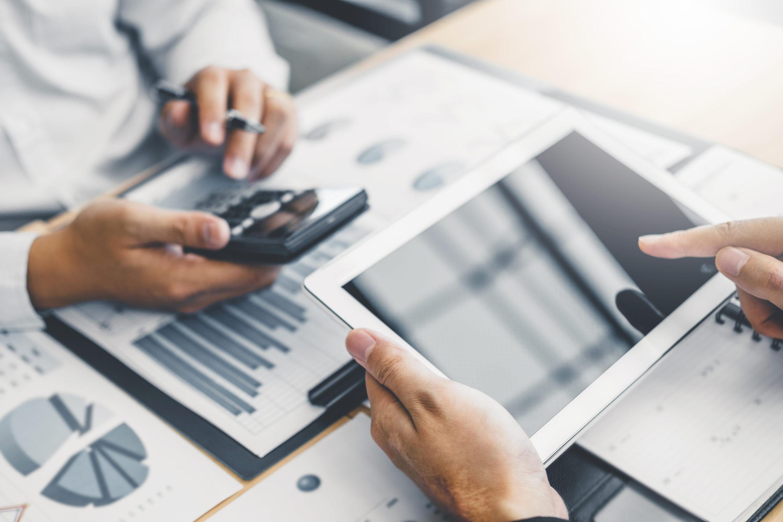 Face à l'augmentation prix du papier, 7 conseils pour maitriser votre budget.